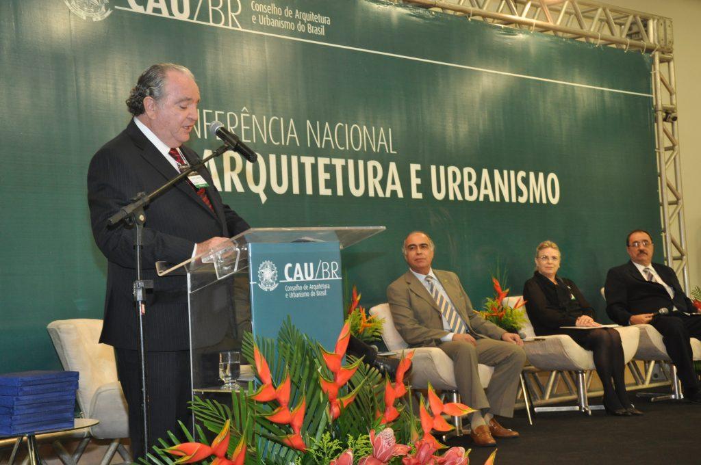 Antônio Luciano de Lima Guimarães em pronunciamento na I Conferência Nacional de Arquitetura e Urbanismo (2014, Fortaleza)